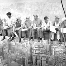 Lunch atop a Skyscraper - 1932 (archivio Corbis)